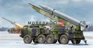 01025 Trumpeter Ракетный комплекс  Russian 9P113 TEL w/9M21 Rocket of 9P52 Luna-M