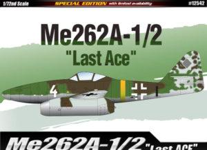 """12542 Academy Самолет Me262A-1/2 """"Last Ace"""""""