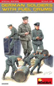 35256 MiniArt 1/35 Немецкие солдаты с бочками